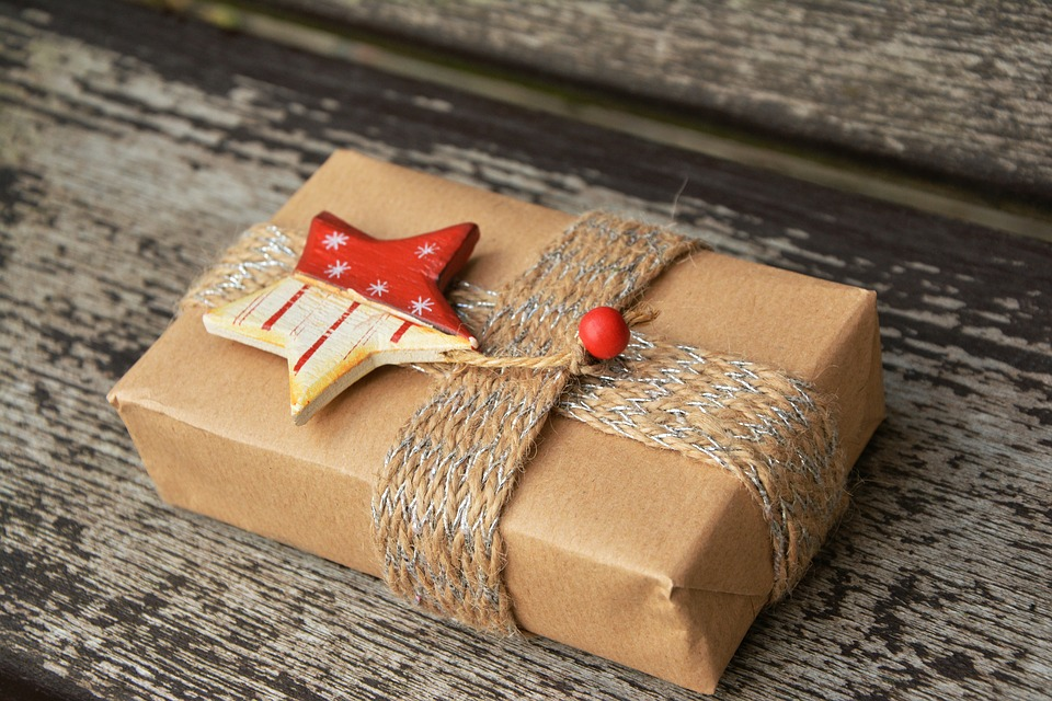 Christmas Gift Ideas for Someone You Don't Know Well
