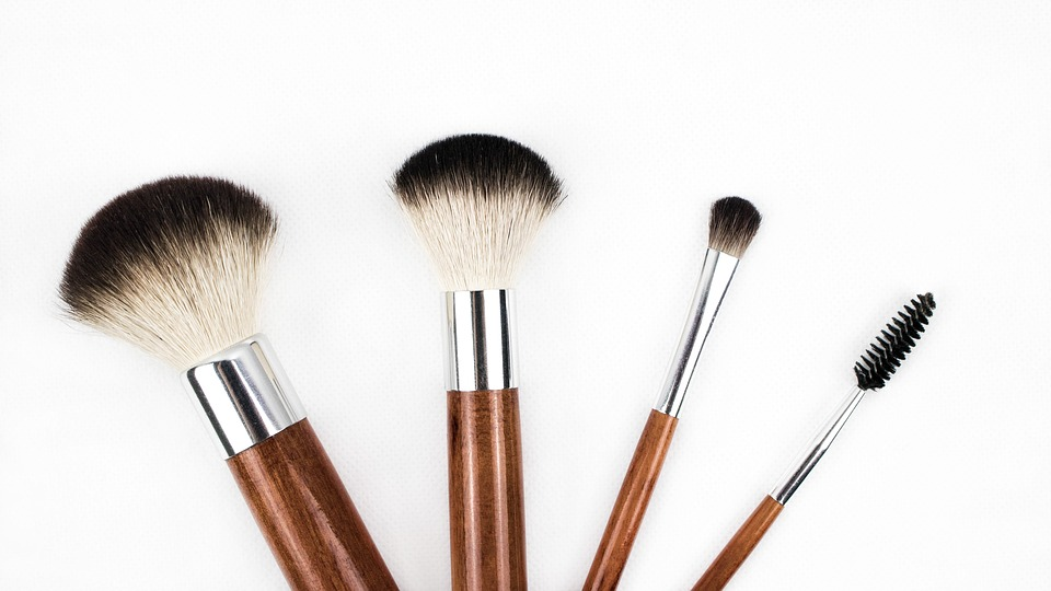How to Start an FX Makeup Artistry Business